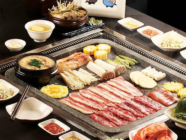 buffet-nuong-tren-ban-da-dolpan-sam