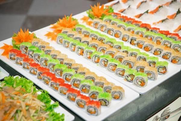 cac-loai-sushi-va-sashimi-duoc-che-bien-cau-ky-tai-gri-gri