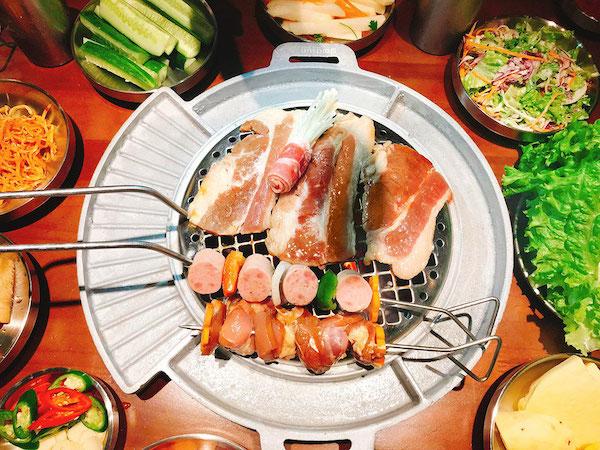 menu-buffet-da-dang-tuoi-ngon-taii-nha-hang-buk-buk