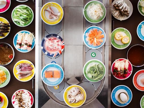 mon-an-tuoi-ngon-dep-mat-tai-nha-hang-buffet-lau-bang-chuyen-kichi-kichi