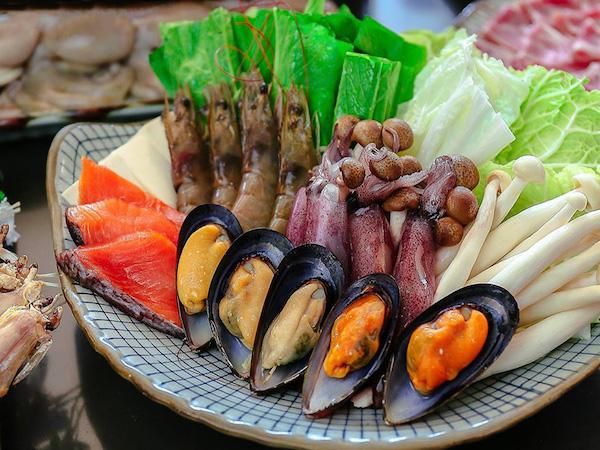 vem-xanh-tai-buffet-lau-daruma